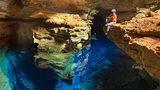 """Cận cảnh hồ hang động """"tàng hình"""" huyền bí ở Brazil"""