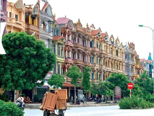 Nhất đất Việt: Sống ở làng, đi Lexus, tiêu tiền tỷ