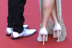 Cannes dậy sóng vì quy định đuổi người đi giày bệt