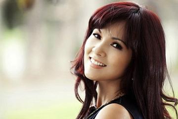 Tình cờ gặp lại Hoa hậu Việt bán được nhiều bưu thiếp ảnh nhất