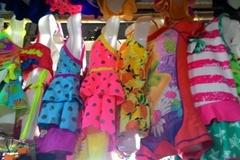 """Áo tắm trẻ em siêu rẻ: Cẩn thận """"rước bệnh"""" cho trẻ"""
