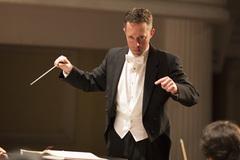 Nhạc trưởng người Mỹ chỉ huy hòa nhạc Vivaldi