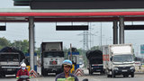 Bộ trưởng Thăng: Không có chuyện phí chồng phí trên quốc lộ