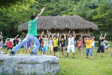 Hai trại hè siêu hấp dẫn cho trẻ em Hà Nội