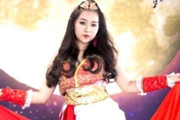 Xem hot girl Tam Triều Dâng hóa thân thành mỹ nhân Xưng Hùng Cửu Thiên