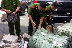 Hà Nội: Phát hiện ổ làm hàng hiệu rỏm 'cỡ khủng'