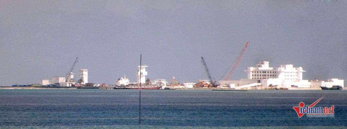 Hình ảnh công trường phi pháp của TQ ở Biển Đông