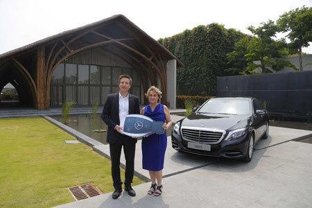 Mercedes-Benz VN bàn giao xe S-Class cho resort Naman Retreat