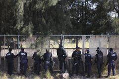 Đấu súng dữ dội Mexico, hàng chục người chết thảm