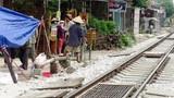 Tàu hỏa tông chết 2 người đàn ông nói chuyện sát đường ray