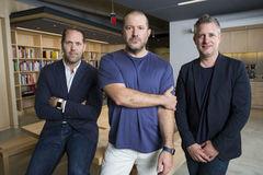 Apple bổ nhiệm Jony Ive làm Giám đốc thiết kế