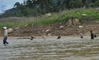 Nắng nóng, 2 học sinh chết đuối vì tắm sông