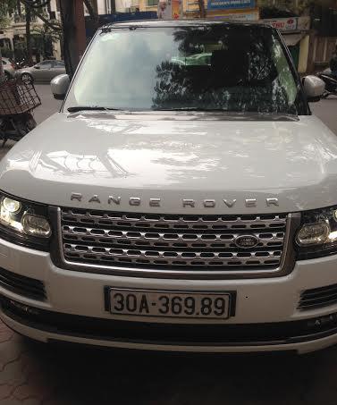 Hà Nội: Hai xe tiền tỷ Range Rover biển số hệt nhau
