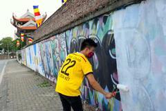 Chùa Thiên Niên bị bôi bẩn bởi những hình vẽ Graffiti