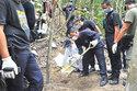 Malaysia bắt 12 cảnh sát nghi dính tới vụ mộ tập thể