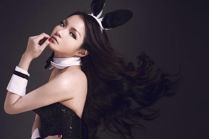 Ca sĩ có bộ ngực 'khủng' nhất showbiz Việt