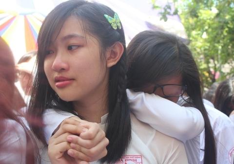 Rơi nước mắt phút chia tay