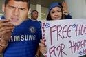 "Eden Hazard được ""ôm thoải mái"" ở Thái Lan"