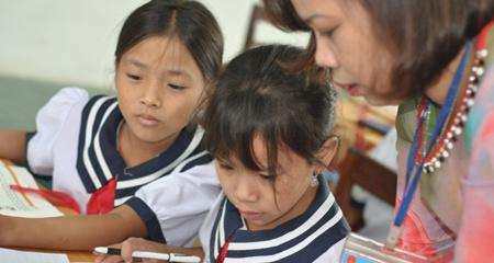 Giáo viên tiểu học chia sẻ 'công nghệ' tạo lời khen