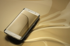Samsung đang sản xuất smartphone với màn hình có thể gấp lại
