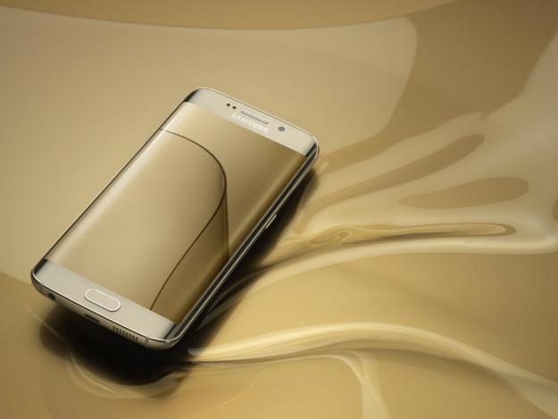 Samsung đang sản xuất smartphone với màn hình có thể gấp lại - 1