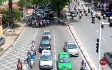 Taxi ngày nóng 'chặt chém' khách thẳng tay