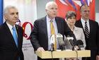 Ông John McCain: TQ đã điều pháo ra đảo nhân tạo