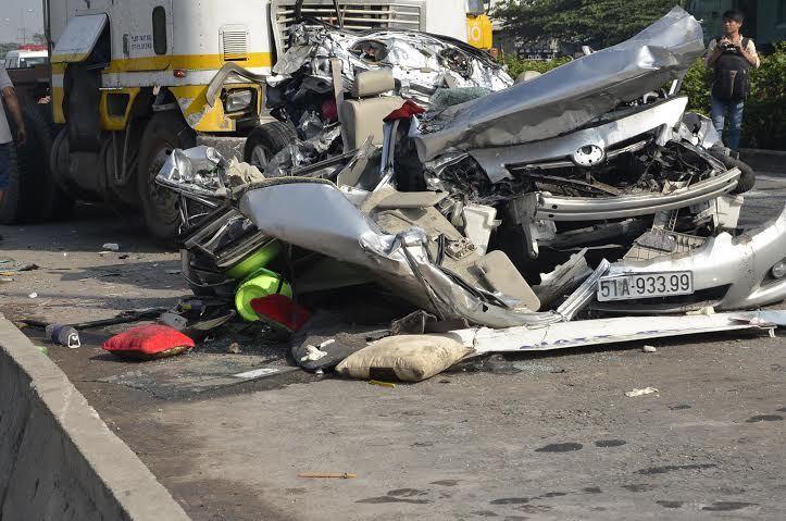 đầu kéo, tai nạn, thảm khốc, Thủ Đức, 5 người chết, giao thông