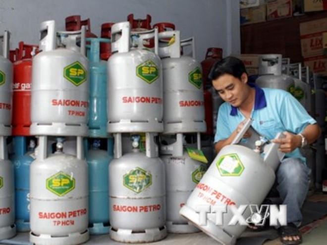 Từ 1/6, giá gas giảm 14.000 đồng mỗi bình 12kg
