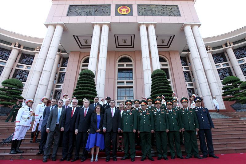 BT Quốc phòng: VN chỉ kè kín đảo thuộc chủ quyền