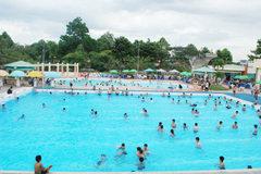 Nên đi bơi thời điểm nào trong ngày nắng nóng?