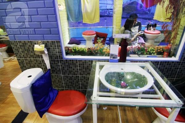 quán cà phê toilet