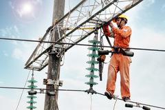 Nắng kỷ lục 44 năm: Liên tục mất điện ban đêm