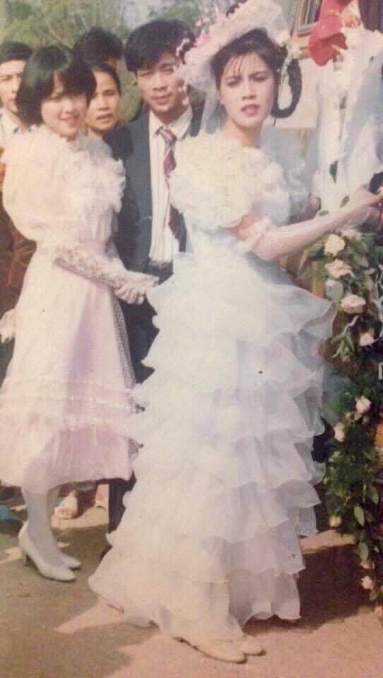 Ngỡ ngàng trước nhan sắc 24 năm trước của MC Thảo Vân