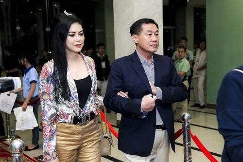 Đại gia Việt: Chiều vợ trẻ theo kiểu đế vương