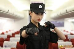Tiếp viên hàng không múa vịnh Xuân Quyền trên máy bay