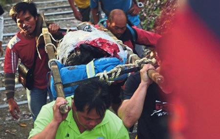 động đất, Malaysia, thoát y, khỏa thân, thế giới 24 giờ
