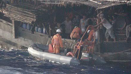 Hội nghề cá, ngư dân, tàu cá, tàu Trung Quốc, cản trở, cứu nạn, tấn công, phun vòi rồng, tàu Việt Nam