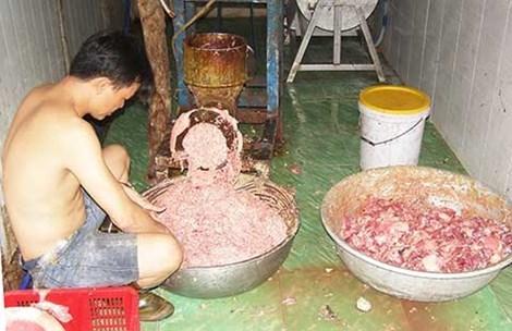 Bò viên làm từ... thịt thối