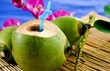 Không biết cách uống, nước dừa sẽ gây hại