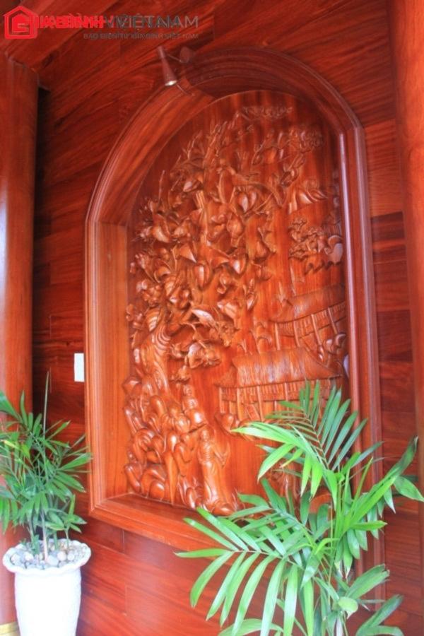 """Nhà gỗ quý nguyên khối của """"tỷ phú sinh thái"""" Điện Biên"""