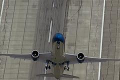 Các pha cất cánh thẳng đứng ngoạn mục của máy bay dân dụng