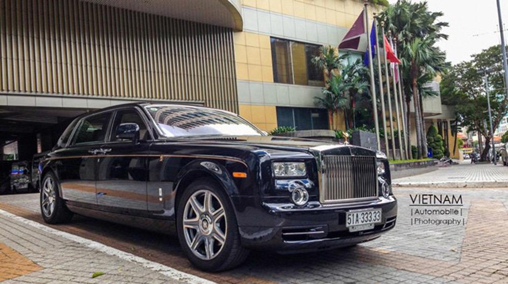 Rolls-Royce Phantom và Mercedes E250 trùng biển 'khủng' tại Sài Gòn