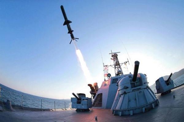 Triều Tiên bắn một loạt tên lửa chống hạm