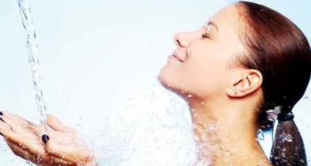5 thời điểm tuyệt đối không tắm vào mùa hè