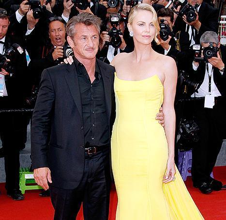 Sean Penn và Charlize Theron bất ngờ hủy hôn