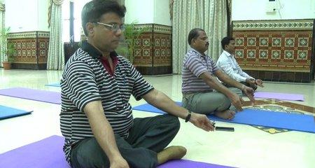 Vì sao lái tàu hỏa ở Ấn Độ phải học yoga?