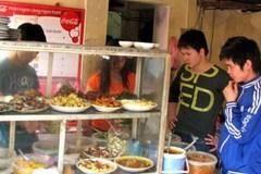 Quán bình dân Hà Nội: Tái chế thức ăn thừa, bẩn bán cho khách