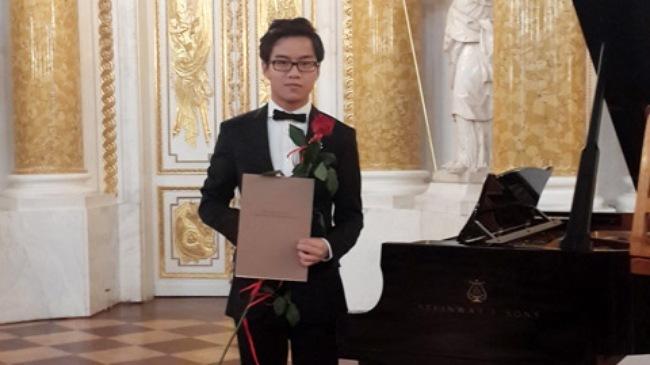 Tài năng piano 19 tuổi tham gia Hòa nhạc Hòa bình