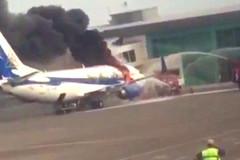 Boeing 737 cháy ngùn ngụt giữa sân bay